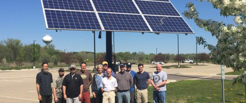 MREA Helps Iowa Workers Prepare for Solar Careers